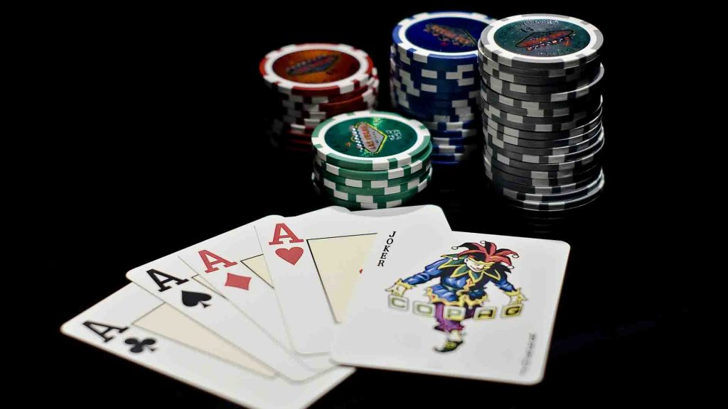 Online poker examines
